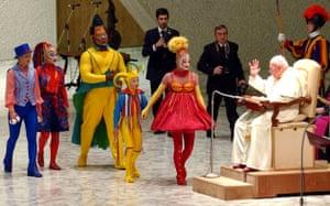 Cirque du Soleil: Cirque du Soleil artists with Pope John Paul II