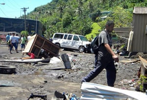 Tsunami in Samoa: Earthquake and tsunami damage in the village of Si'umu