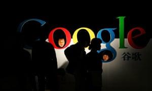 Chinese poke their heads through a Google logo