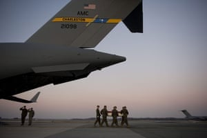 24 hours: US Soldier's remains arrive at Dover Air Force Base.