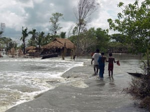 Sinking Sundarbans: Nearly a month after cyclone Aila the river banks have not been repaired