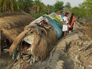 Sinking Sundarbans: Makeshift tents of landless and homeless families by the roadpath