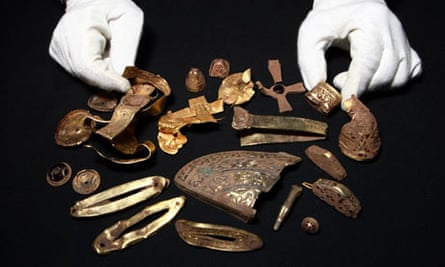 Fundraising to keep Anglo-Saxon hoard found in Staffordshire