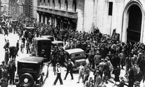 Crowds on Wall Street Great Depression