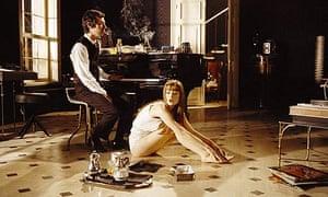Lucy Gordon in Gainsbourg: Je T'aime, Moi Non Plus