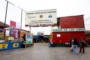 Peru books: Amazonas book market, Peru