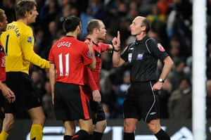 City v United: United players complain about the penalty decision