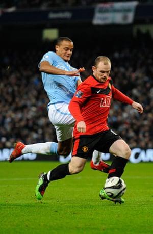 City v United: Kompany chases Rooney