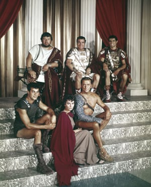 Jean Simmons: Jean Simmons withthe other lead actors on the set of Spartacus