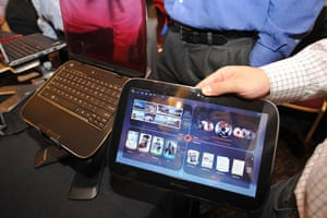 Tablet computers: 2010 The Lenovo IdeaPad U1, a hybrid laptop tablet screen at CES