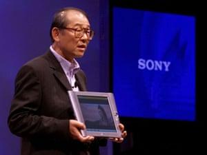 tablet gallery: 2001 Kunitake Ando a Sony Tablet computerat Comdex 2001