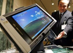 tablet gallery: 2002 Fujitsu Ltd's Tablet PC in Tokyo