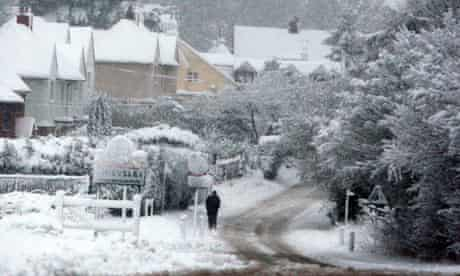 Heavy snow in the village of Chieveley, Berkshire