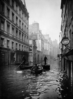 Paris flood: January 1910: Rue de Seine