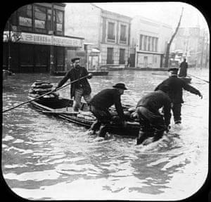 Paris flood: Men with a boat