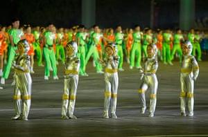 North Korea night dancing: Night dancing in Kim Il-Sung Square