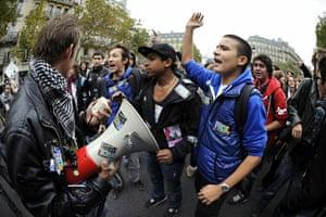 France Strike Update: High school students demonstrate in Paris