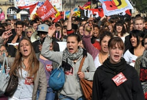 France Strike Update: High school students demonstrate in Bordeaux against pension reform