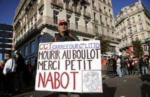strikes in france: People demonstrate at the Vieux Port in Marseille