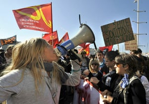 strikes in france: Students demonstrate in Marseille
