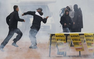 strikes in france: Youths clash with police in Lyon