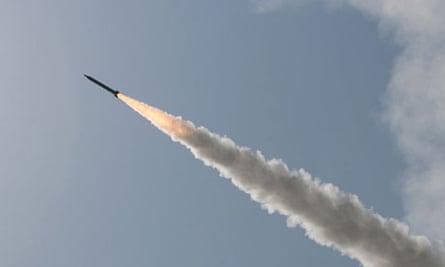 Iranian short-range missile fired near Qom, 2009