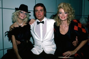 Bob Guccione Dies: Bob Guccione with two Penthouse pets