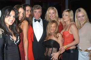 Bob Guccione Dies: Bob Guccione with Penthouse Pets in New York