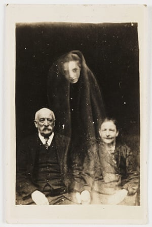 William Hope ghost pics: Elderly couple with a young female spirit