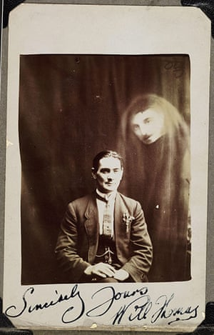 William Hope ghost pics: Will Thomas with an unidentified spirit