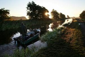 Eel fishing: Traditional eel fishing, Outwell, UK