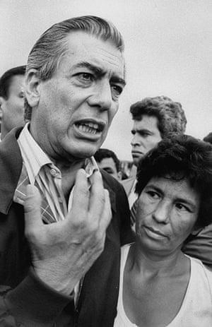 Mario Vargas Llosa: Mario Vargas Llosa campaigns in the midst of people at a fish market, 1990