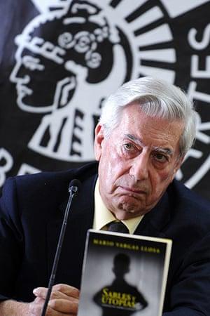 Mario Vargas Llosa: Mario Vargas Llosa poses with his new book Sables y Utopias in 2009