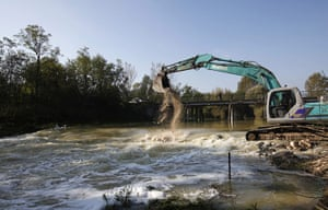 Toxic Spill Update: Gypsum is poured into the Marcal River, toxic spill