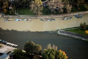 Toxic Spill Update: Aerial view of the confluence of the Raba and Duna rivers