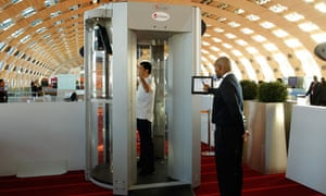 A full-body scanner trialled at Charles de Gaulle airport