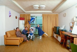 Prix Pictet: Yeondoo Jung: Gwangjin-gu, Seoul detail from the series Evergreen Tower,