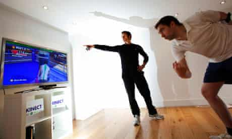 Keith Stuart tries out the Kinect for xbox 360 with Matt Roberts at the Matt Roberts fitness centre