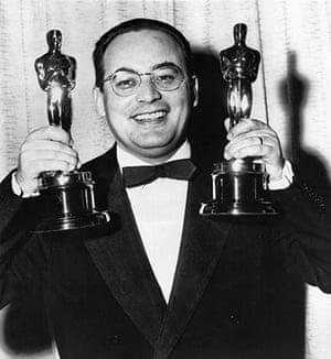Dino Di Laurentiis: Italian producer Dino De Laurentiis poses with Oscars