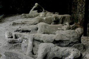 Pompei Ruins Collaps: Plaster casts of victims, at Garden of the Fugitives in Pompei