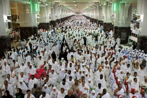 Hajj In Mecca: Muslim pligrims walk between Marwa and S