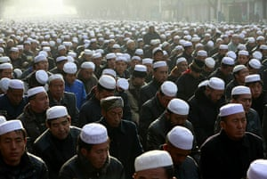 Eid al-Adha: Muslims listen to the speech of an imam in Xining, China