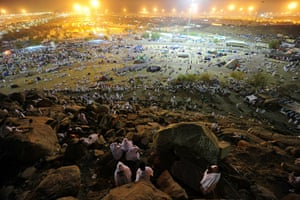 Hajj Pilgimage: Muslim pilgrims arrive to pray at Mount Arafat