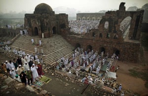 Eid al-Adha: Indian Muslims pray in the ruins of the Feroz Shah Kotla Mosque