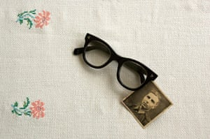 In pictures: material: Glasses and photo