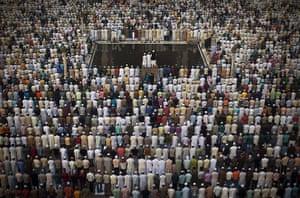 Eid al-Adha: Indian Muslims pray at the Jama Masjid mosque