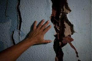 24 hours in pictures: landslides in caracas
