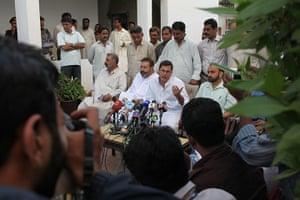 Karachi Pakistan: Senior Karachi police officer Omar Shahid Hamid holds a press conference
