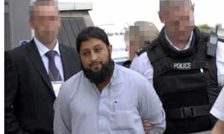 Rangzieb Ahmed at Heathrow airport 2007
