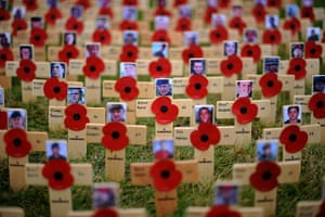 Wootton Bassett : Up to 35,000 crosses are to be planted in the grounds of Lydiard Park,